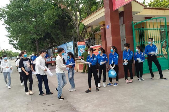 Hà Nam: Thời tiết mát mẻ, thí sinh phấn chấn