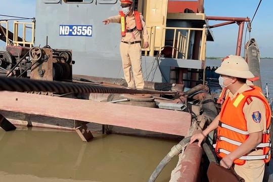 Hà Nam: Chủ tàu người Bình Lục hút cát trái phép tại Lý Nhân