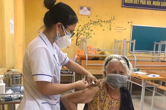 Quận Ba Đình hoàn thành kế hoạch tiêm vắc xin