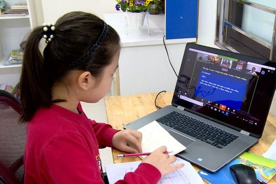 Hà Nội: Các trường tiếp tục dạy học trực tuyến