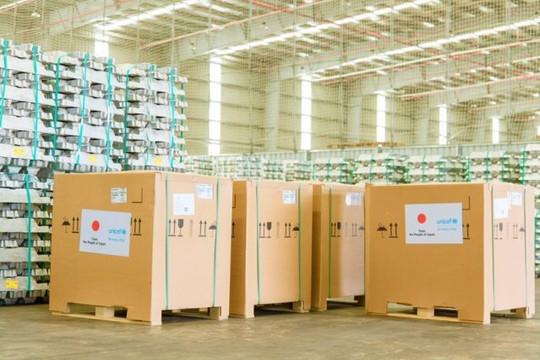 Việt Nam tiếp nhận 300 tủ lạnh bảo quản vắc xin