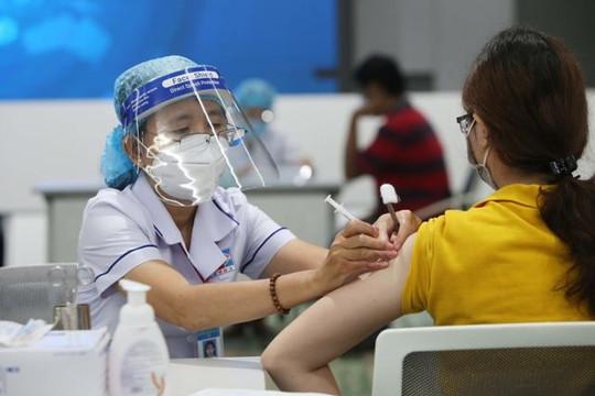 Hà Nội đảm bảo 100% cán bộ giáo viên tiêm vaccine phòng Covid-19