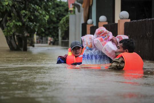 Các tỉnh hỗ trợ Bộ Công an làm rõ việc vợ chồng Thủy Tiên làm từ thiện