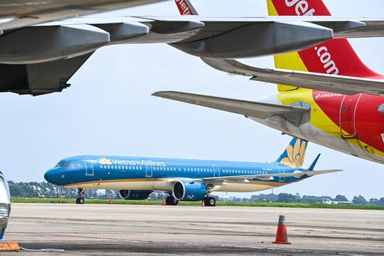 Khách đi máy bay từ TP HCM đến Hà Nội phải cách ly tập trung