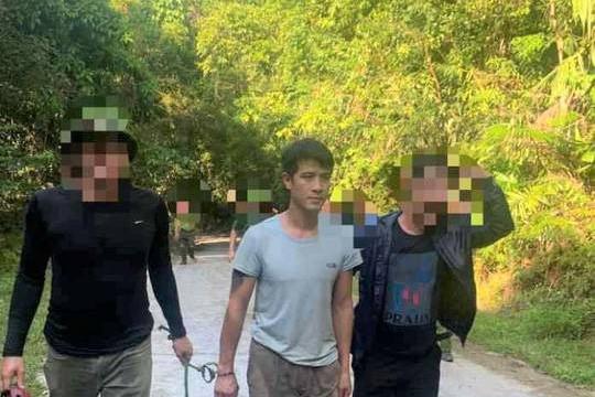 Quảng Bình: Bắt nghi phạm chém người rồi lẩn trốn vào rừng