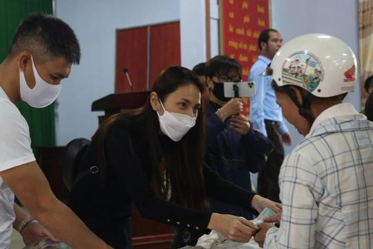 Hà Tĩnh báo cáo gì về hoạt động từ thiện của ca sĩ Thủy Tiên