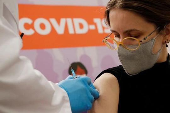 Nga sẽ thử nghiệm vaccine Covid-19 Sputnik V dạng xịt