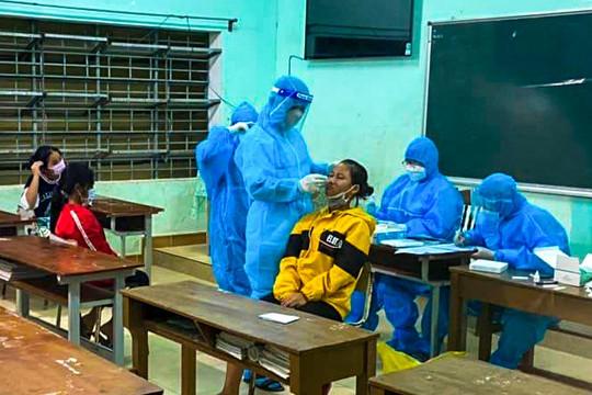 Quảng Nam: Phát hiện 19 ca dương tính với SARS-CoV-2, hơn 340 học sinh nghỉ học